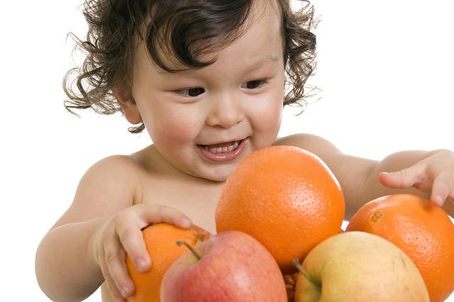 Bebés y alimentación: trucos y consejos para que crezcan sanos
