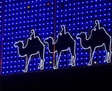 Los_Reyes_Magos_en_iluminación_navideña_en_Madrid,_Spain – copia