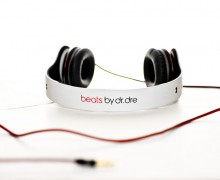 Beats-blancos-by-Matthew-Raymundo-