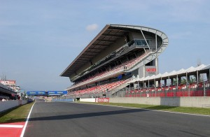 640px-F1_Circuit_de_Catalunya_-_Tribuna – copia