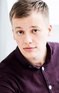 El autor finés Kaj Korkea-aho