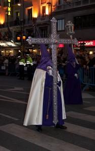 480px-Madrid_-_Procesión_Jesús_Nazareno_de_Medinaceli_-_20080321-005 – copia