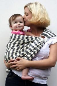 portabebés ergonómico madre hijo