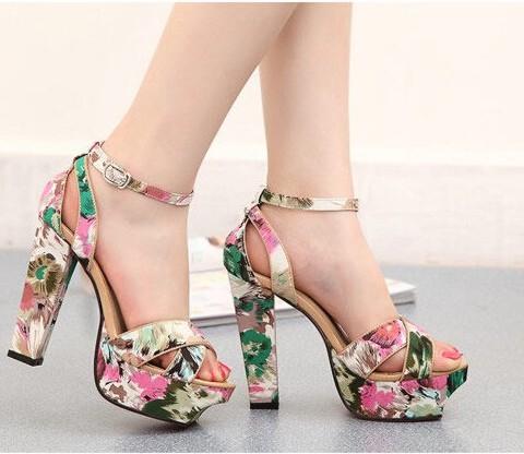 Sandalias: Tendencias para la mujer primavera-verano 2016 y accesorios para todos los estilos!!