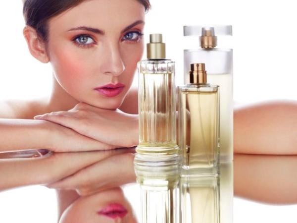 ¿Cómo elegir el mejor perfume de mujer para verano?