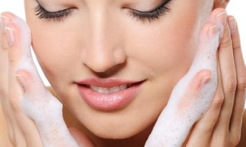 Limpieza facial e hidratación: lo más importante para lucir siempre joven !!!