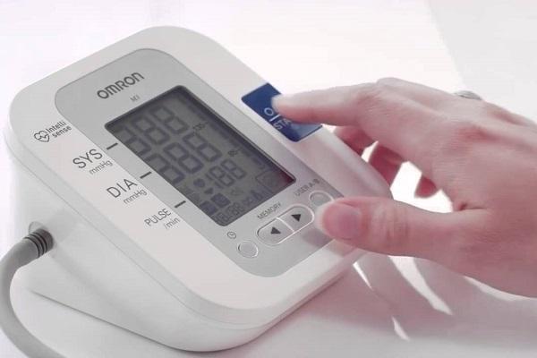 Análisis del Tensiómetro de brazo electrónico conectable de Omron M3-IT, medidor de tensión