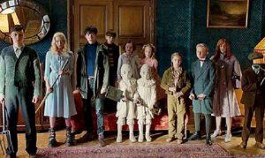 Asa Butterfield y el resto del reparto