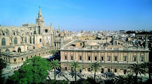 640px-cathedral_and_archivo_de_indias_-_seville
