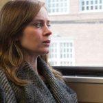 """Crítica de """"La chica del tren"""" (película), con Emily Blunt, Rebecca Ferguson y Haley Bennett"""