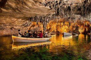 musica-dal-vivo-nelle-grotte-spagnole-l-26daqd