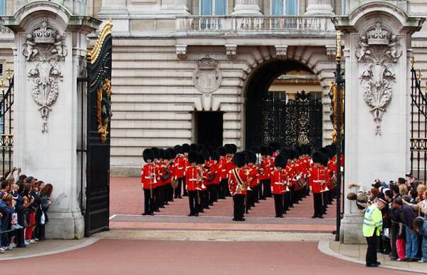 Cambios de guardia, visitar los mejores del mundo; Londres, Atenas...