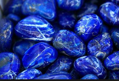El lapislázuli, una piedra natural con mucha magia