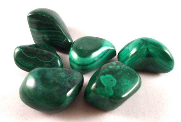 La malaquita, la piedra de los efectos curativos