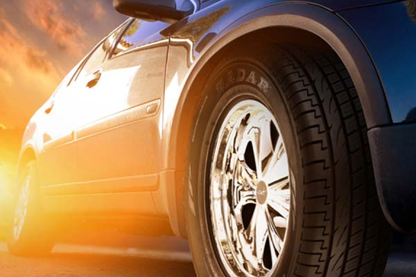 Ventajas y desventajas de comprar neumáticos de automóvil online