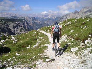 mountain-bike, hombre ciclista,ciclismo de montaña