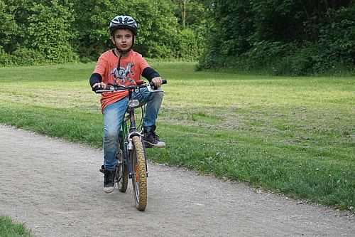 ¿Qué accesorios para bicicletas infantiles comprar a los niños?