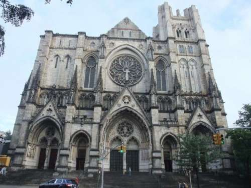 Visitar las catedrales más grandes del mundo, desde Roma a Sevilla