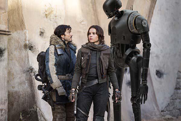 """Crítica de """"Rogue One, una historia de Star Wars"""", de Gareth Edwards, con Felicity Jones y Diego Luna"""