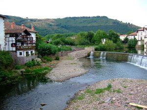 640px-ELIZONDO.Baztan_valley.Navarra