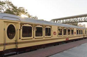 640px-Palace_on_Wheels_Jaipur