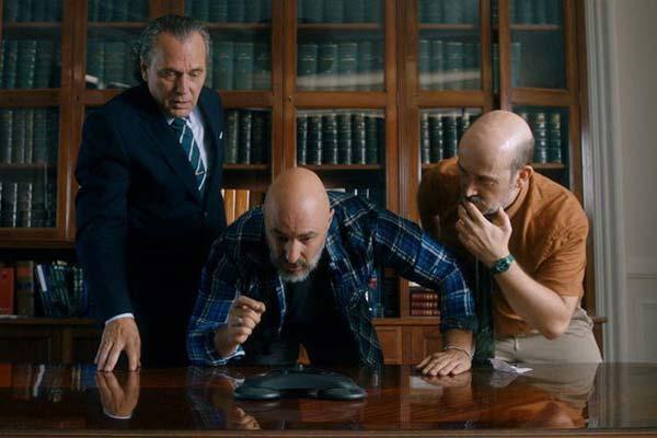 """Crítica de """"Es por tu bien"""", con José Coronado, Javier Cámara y Roberto Álamo"""