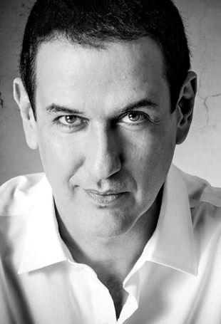 Roberto Santiago, autor del thriller Ana