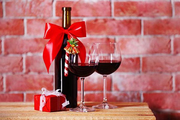 10 propuestas de regalos para aficionados al vino en - Que regalar en reyes ...