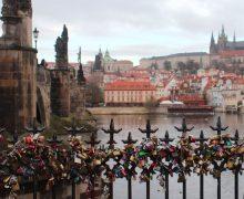 Vista del Castillo de Praga desde Karlův Most