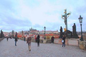 El puente de Carlos o Karlův most en Praga