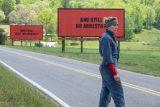 """Crítica de """"Tres anuncios en las afueras"""", con Frances McDormand y Peter Dinklage"""