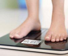 Cuándo pesarse en una báscula de bioimpedancia para medir el porcentaje de grasa corporal