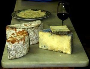 Trozos de queso de Gamonéu