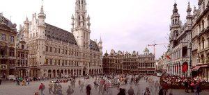 Es la plaza más animada, famosa y fotografiada de la capital de la Unión Europea