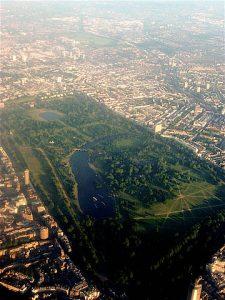 El parque cuenta con una extensión de 140 hectáreas para el esparcimiento de londinenses y turistas