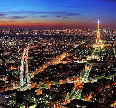 Uno de los sobrenombres como es conocida París es la Ciudad de la Luz