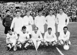 Las cinco primeras ediciones de la Copa de Europa solo conocieron un campeón: el Real Madrid