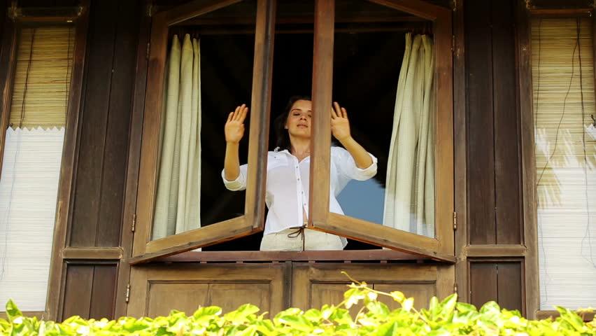 "Reseña de ""La mujer en la ventana"", de A.J. Finn"