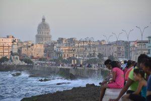 El Malecón de La Habana se exitende a lo largo de 8 kilómetros