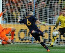 Andrés Iniesta ingresó en el Olimpo futbolístico tras este magnífico gol ante Holanda en la final del Mundial de Sudáfrica de 2010