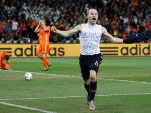 El detalle de Iniesta con su gran amigo Jarque dejó huella en todo el mundo futbolístico