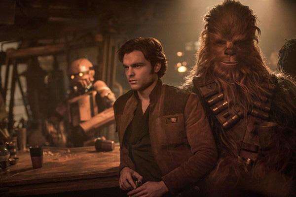 """Crítica de """"Han Solo: una historia de Star Wars"""", con Alden Ehrenreich"""