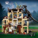Selección de juegos, figuras y juguetes de Jurassic World