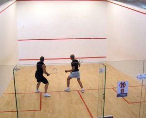 El te nis o el squash son deportes que desarrolla la resistencia corporal y la elasticidad de los músculos
