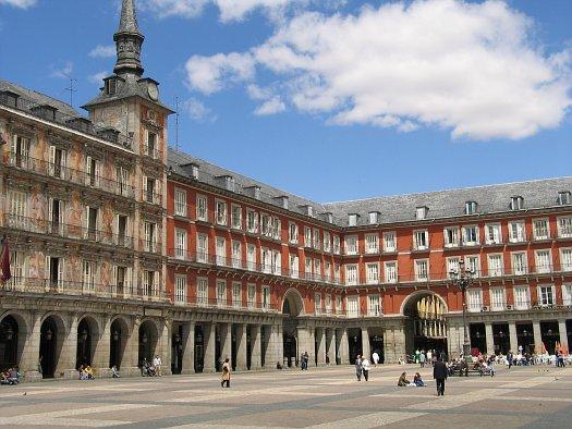 Cómo ahorrar dinero haciendo turismo en Madrid